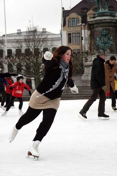 Pista de patinaje sobre hielo en Mälmo, Suecia