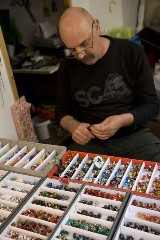 En Grozjan viven muchos artesanos