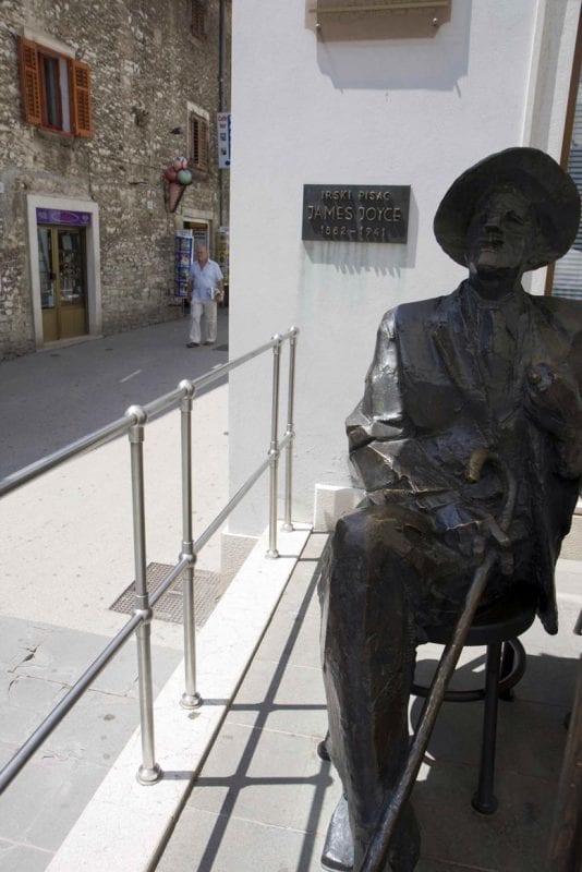 Homenaje a Joyce en Pula