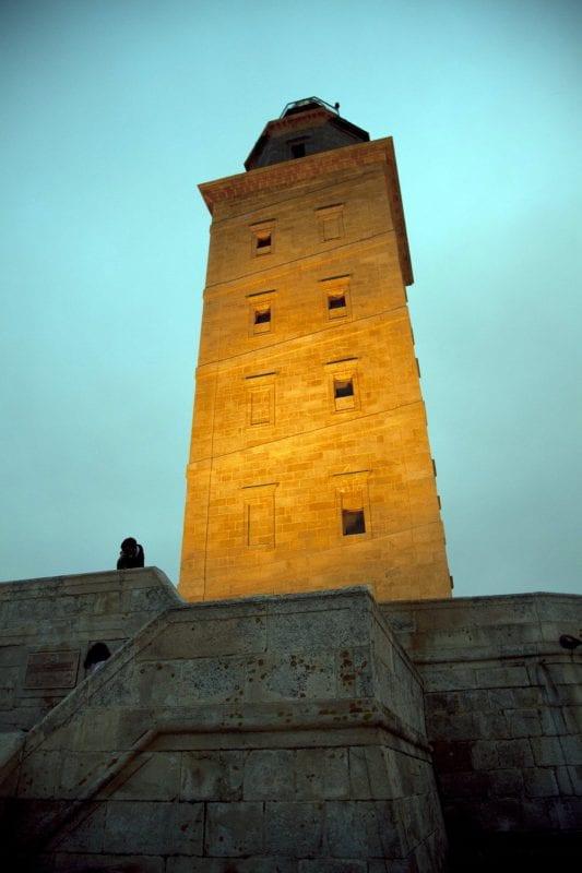 Torre Hercules foto nocturna