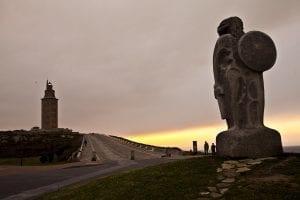 Escultura de Breogán, padre legendario del pueblo galaico