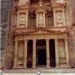 ¿La fachada del Tesoro de Petra es un decorado?