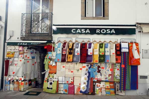 Puesto de toallas en Valença do Miño Portugal