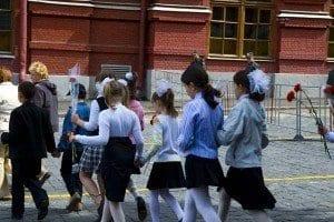 Es habitual ver colegios que visitan la tumba de Lenin