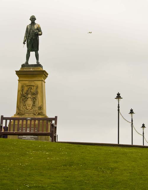 Escultura a James Cook en Whitby