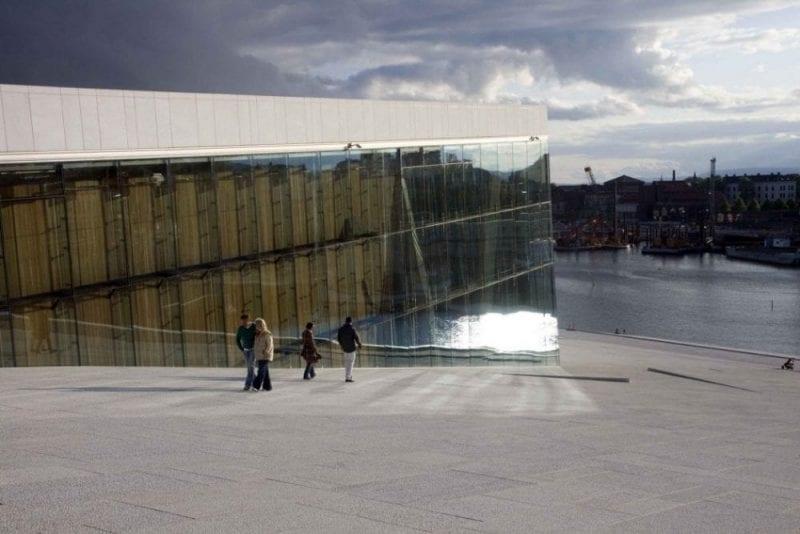 Oslo opera desde otro ángulo