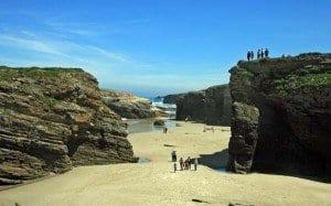 Los gallegos nos quedaremos cerca de casa. Playa de las catedrales, Lugo