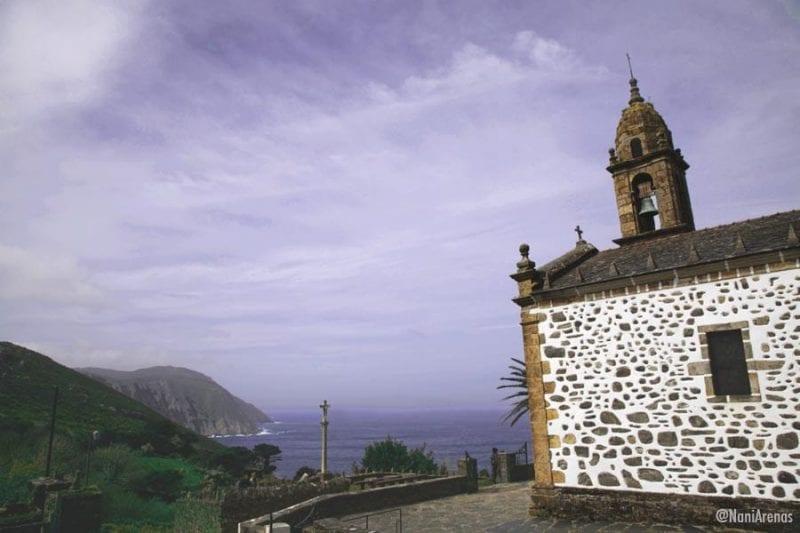 """El nombre oficial del lugar es """"Santo André de Teixido"""" en gallego"""
