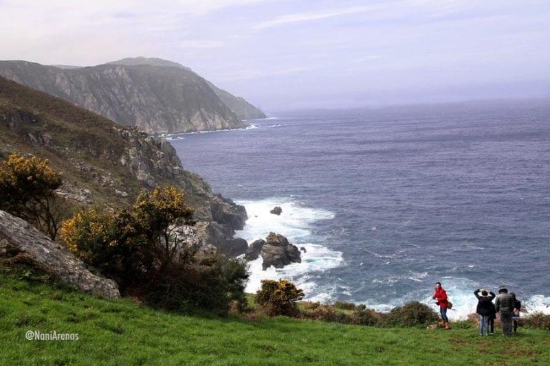 En san Andrés arranca una ruta por los acantilados más altos de Europa