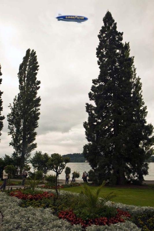 Zeppeling turístico sobre el lago Constanza