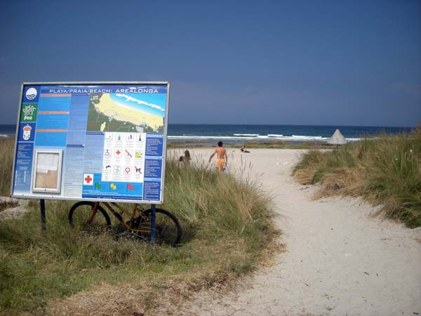 Playa de Arealonga en la costa de Lugo