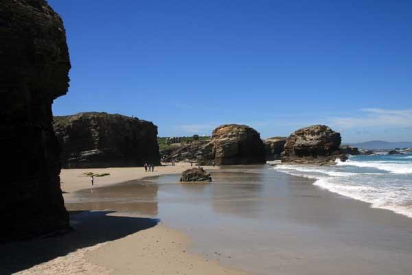 Panorámica de la Playa de Las Catedrales en Lugo