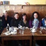 Paseo por Madrid con un grupo de mujeres viajeras, inquietas y normales