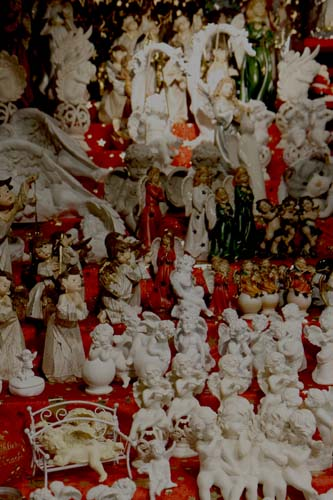 Viena figuritas angelitos mercadillo la viajera blog