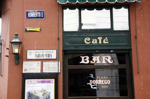 El café Plaza Dorrego es uno de los míticos de San Telmo