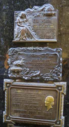 Tumba de Evita Perón en el cementerio de La Recoleta en Buenos Aires