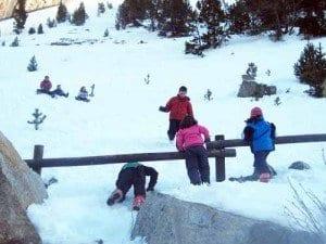 Batalla de bolas nieve en los Llanos del Hospital