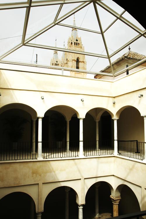 El museo carmen Thissen esta en e palacio de Villalón de Málaga
