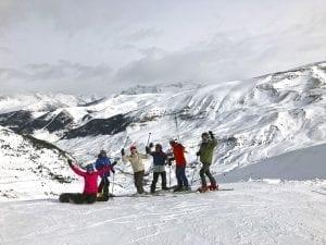 Grupo de amigos en la canal Amplia de Cerler
