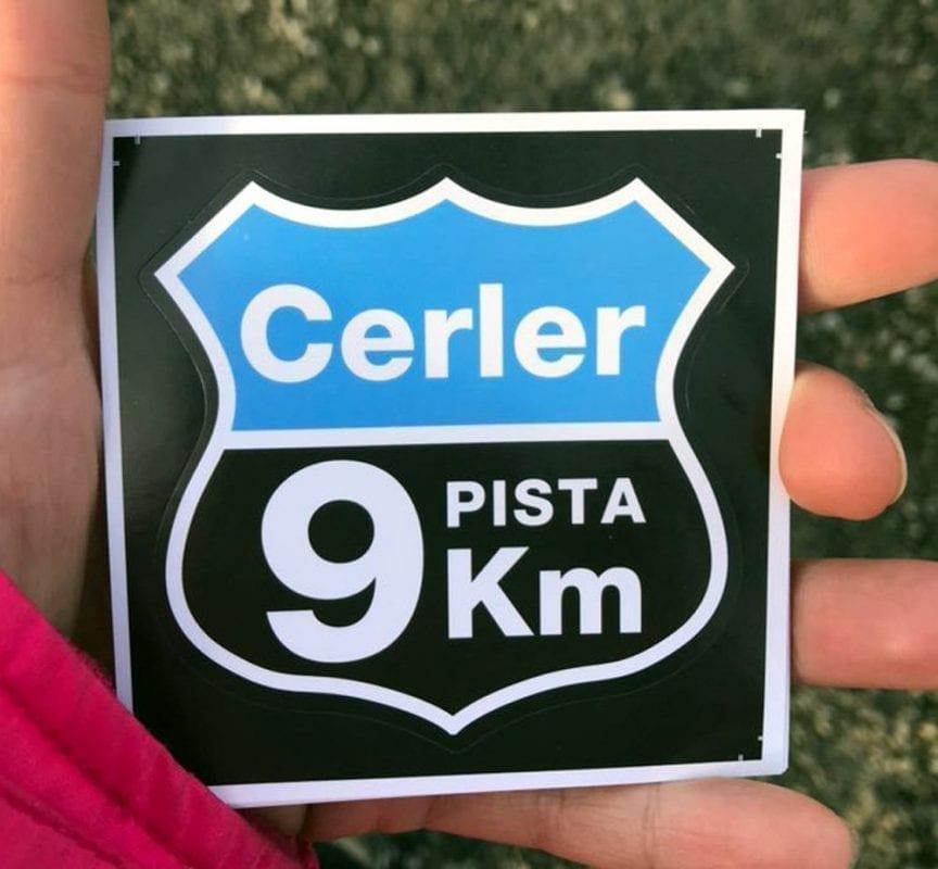 "No te vayas de Cerler si tu pegatina de ""9 kilómetros"""