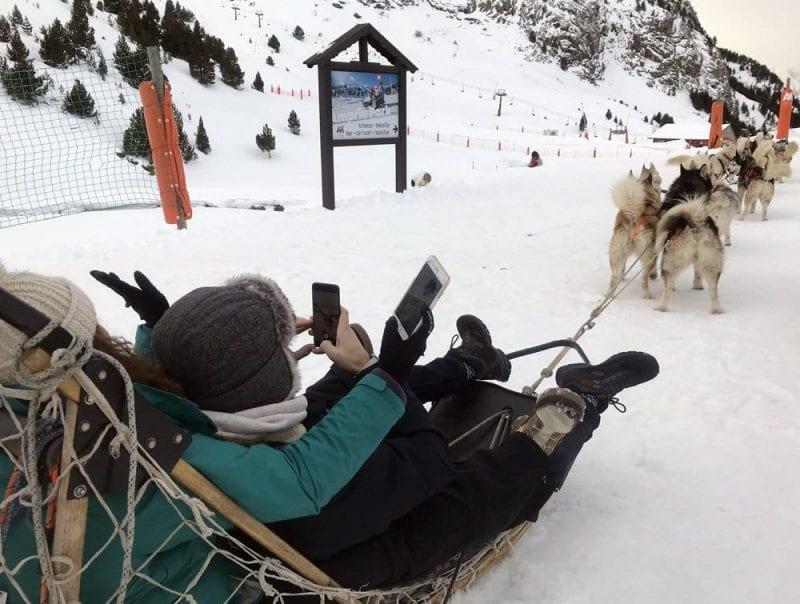 Los trineos tirados por perros hacen paseos en Cerler