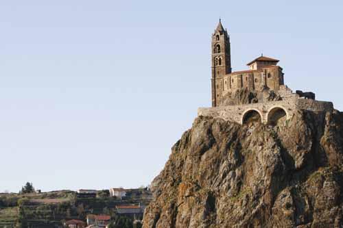 Auvernia Le Puy en Velay capilla roca