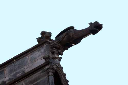 Gárgola de la catedral de Clermont Ferrand
