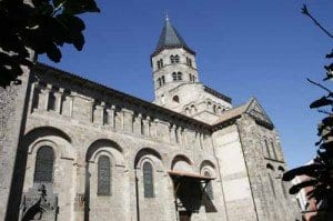 Clermont ferrand iglesia de notre dame du port