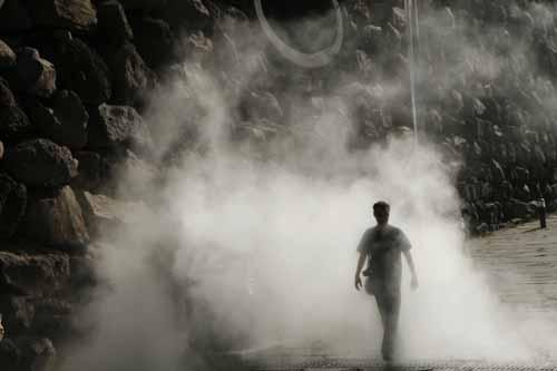 Nube de humo simulado en Vulcania