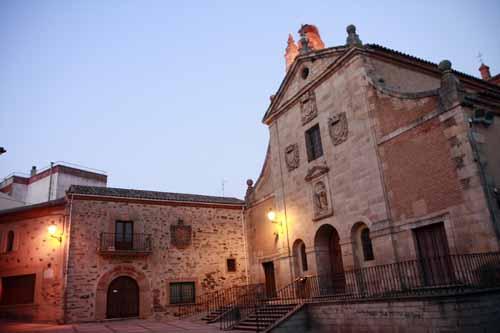 Alba de Tormes Avila plaza santa teresa