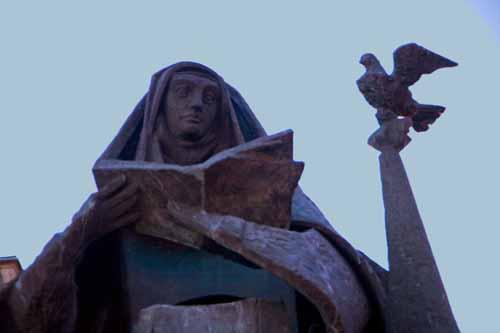 Alba de Tormes escultura santa teresa
