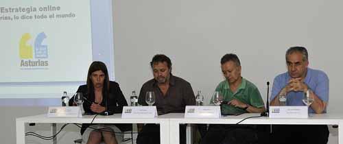 Nani Arenas, Paco Nadal, Paco Elvira y J.L Sarralde, ponentes en la mesa redonda niemeyer