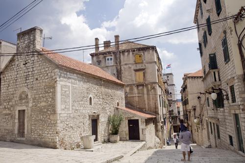 Sibenik Croacia callejuelas blog la viajera