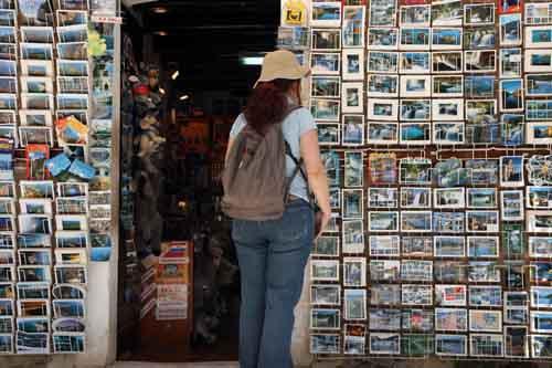 Puesto de postales en Krka, Croacia
