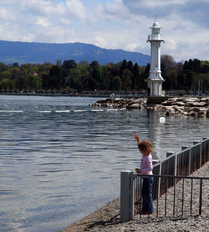 Faro de Ginebra en los baños de Pâquis