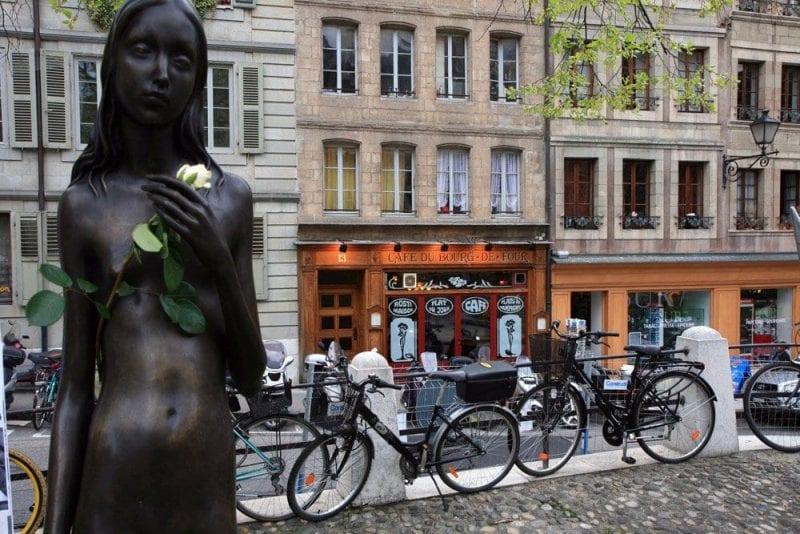 La plaza de Bourg de Four, una de los más bellos rincones de Ginebra