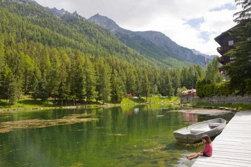 Baño en el lago de Grächen