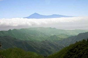 foto panoramica de isla La Gomera y el Teide