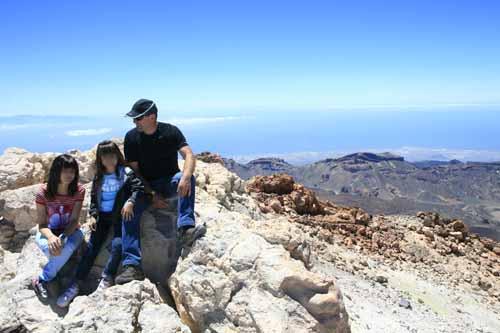 Familia en la cima del Teide