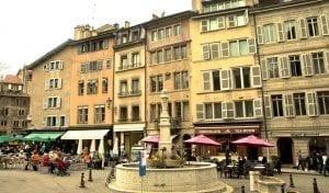 Panorámica de Place de Bourg de Four