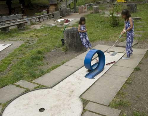 Suiza Leman Gryon parque minigolf