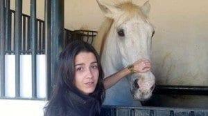 ganadera con caballo jaen