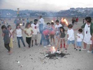 Niños A Coruña en la Hoguera San Juan