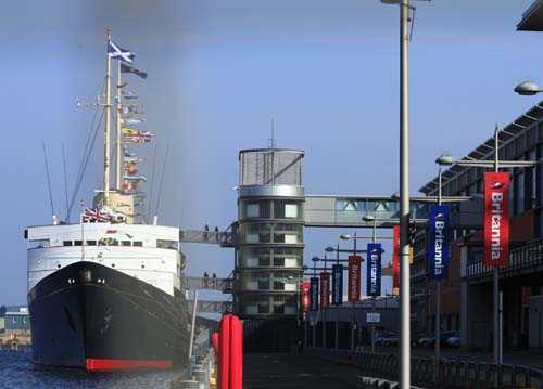 El Britannia en el puerto de Edimburgo