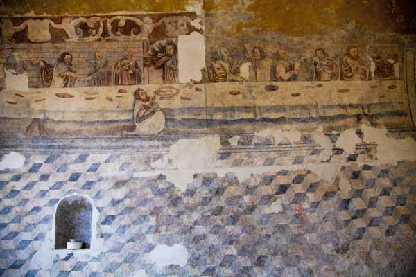 Detalle de los frescos encontrados en la iglesia de San salvador de Moru