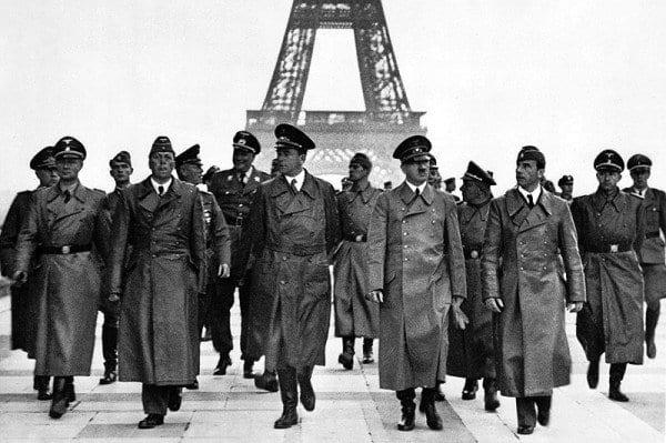 Hitler desfiló en el París ocupado el 23 de junio de 1940.