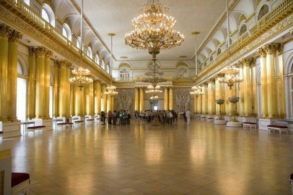 Uno de los muchos salones del Museo Hermitage