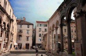 Entrada al palacio de Diocleciano en Split