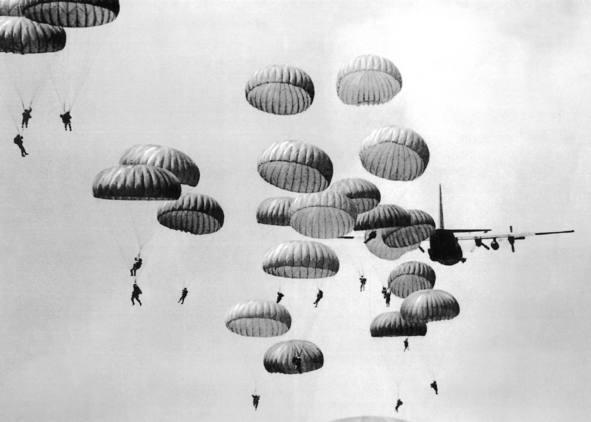 Paracaidistas en día D