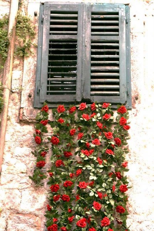 Ventana con flores en Split